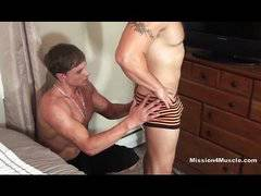 Hardcore gay muscle worship