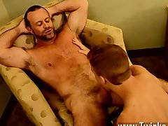 Gay sex Thankfully, muscle daddy Casey has