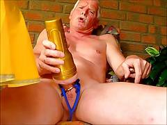 Wank in the garden (HAPPY WANKING 25)