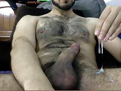 HAIRY YOUNG STUD THICK CUM