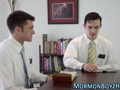 Mormon gets creampied ass