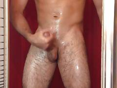 Str8 guy in the shower