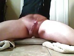 Big cock shoots cum everywhere with no hands