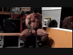 Muscular Marco