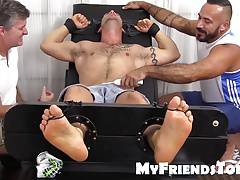 Derrick gets tickle revenge from big hunk Alessio Romero