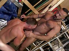 MenOver30 Muscle Daddy gives it to Hung Employee